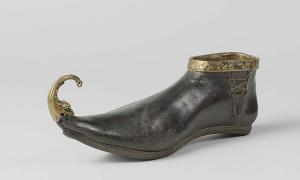 Winklepickers are named for the supposed similarity to the tool used to extract winkles from their shells. Source: Rijksmuseum / CC0.