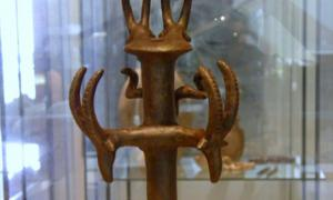 Bronze scepter from the Nahal Mishmar. Source: Poliocretes / CC BY-SA 3.0.