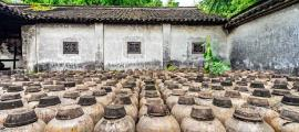 Ancient amphorae found in Wuzhen, China. Please note that this is a representation and are not the amphorae used in the study.        Source: lotusjeremy / Adobe stock
