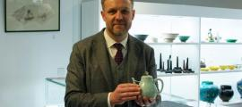Head of Asian Art and Managing Director, Lee Young with the $1.2 million (£1 million) Qianlong Chinese teapot. Source: Duke's Auctions