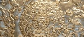 Close up of the marvelous design of the Great Dish of the Mildenhall Treasure.           Source: Ian