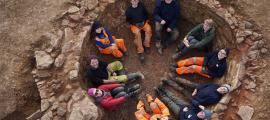 The Oxford Archaeology East team sat inside the lime kiln.    Source: Oxford Archaeology East