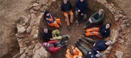 The Oxford Archaeology East team sat inside the lime kiln.    Source: Oxford Archaeology East