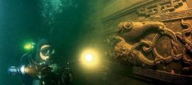 A diver rediscovers the opulent Lion City in China