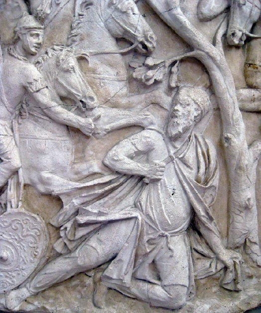 The suicide of the Dacian King Decebalus on the Trajan Column. (Harpeam / CC BY-SA 3.0)