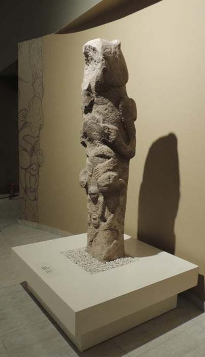 Gobekli Tepe 'totem pole.' (Alistair Coombs)