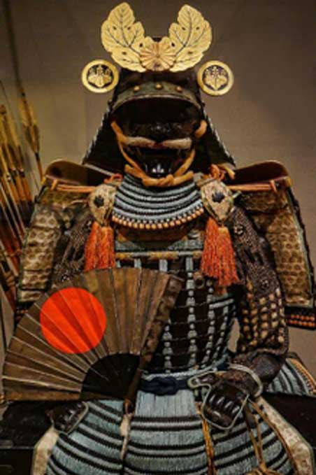 Nuinobedō Tōsei Gusoku Armor with war fan and gold paulownia leaf crest 16th century AD, Japan. (Mary Harrsch/CC BY NC SA 2.0)