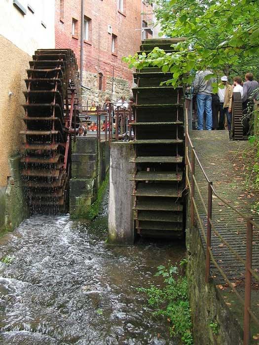 The water wheel.