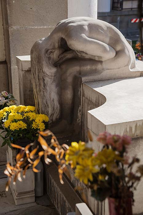 A woman weeps in despair, Monumental Cemetery of Staglieno